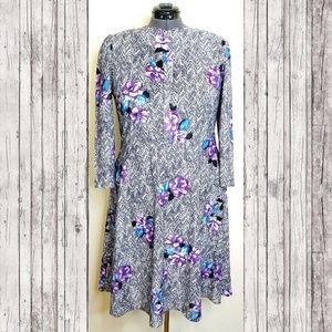Vintage Dresses - VINTAGE PLUS 80's Floral Zig Zag Dress
